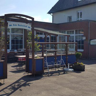 Am Bahnhof Hoerstmar